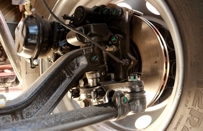 三环前四后六25吨油罐车盘刹图片
