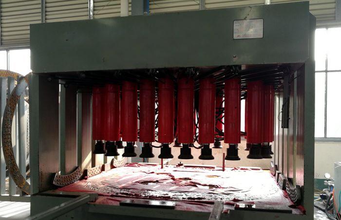 铝合金油罐车封头胀型机图片