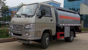 最低仅需5.3万,福田这款油罐车很不错!