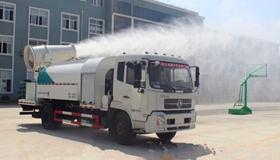 射雾抑尘车亮相乌鲁木齐建筑工地 重点治理扬尘污染